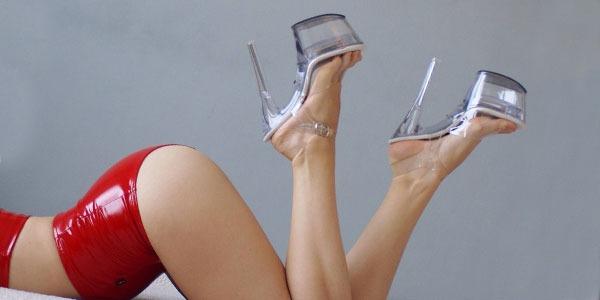 Topánky na platforme Pleaser USA: zvodnejšie než kedykoľvek predtým